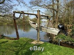 Boat Jib Crane 360 degree Electric Winch. Potential capacity 2 ton Make an OFFER