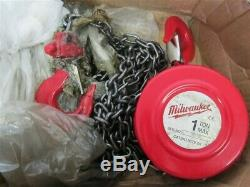 Milwaukee 9672-20, 1 ton, 20' Hand Chain Hoist