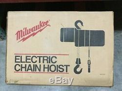 Milwaukee Chain Hoist 9568 1 Ton 20 Ft Electric Lift